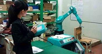 """Apple thất vọng với """"robot iPhone"""" của Foxconn"""
