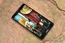 Huawei tung clip đá xoáy cả Apple lẫn Samsung