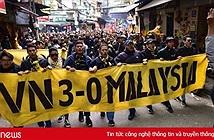 Mạng xã hội ngập ảnh chế đội tuyển Việt Nam đè bẹp Malaysia, vô địch AFF Cup 2018