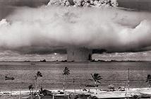 Hình ảnh kỳ vĩ về hai vụ thử hạt nhân dưới nước do Mỹ thực hiện