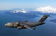 Khổng lồ C-17 của Không quân Mỹ bốc cháy