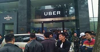 Văn phòng Uber Hà Nội phải mở cửa đối thoại trước sức ép của hàng trăm tài xế