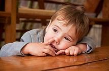 Lạ độc: Người ăn gỉ mũi, đồ ăn rớt đất được lợi khó tin