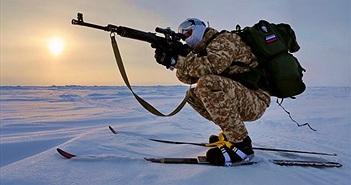 Mục kích lính dù Nga tác chiến tại Bắc Cực