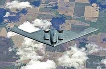 Xem 'quái vật tàng hình' B-2 và lợn lòi A-10 tiếp dầu trên không