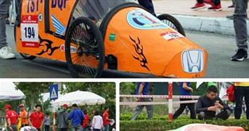 """Ngắm những """"bóng hồng"""" tại cuộc thi lái xe tự chế độc lạ ở Hà Nội"""