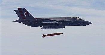 """Được trang bị thêm vũ khí thông minh F-35C như """"hổ mọc thêm cánh"""""""