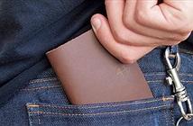Để ví vào túi quần sau là nguyên nhân gây đau lưng