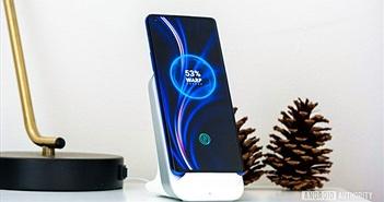 OnePlus công bố dock sạc không dây Warp Charge 30 giá 69 USD