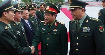 Hình ảnh đặc biệt lãnh đạo quân đội VN -TQ gặp nhau tại biên giới