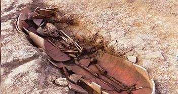 Phát hiện nghĩa địa cổ, thi thể được chôn trong bình lớn