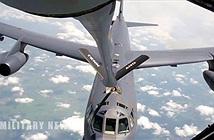 Video: Cận cảnh quá trình máy bay ném bom B-52 tiếp liệu trên không
