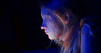Ánh sáng xanh trên smartphone có thể khiến bạn bị mù tạm thời