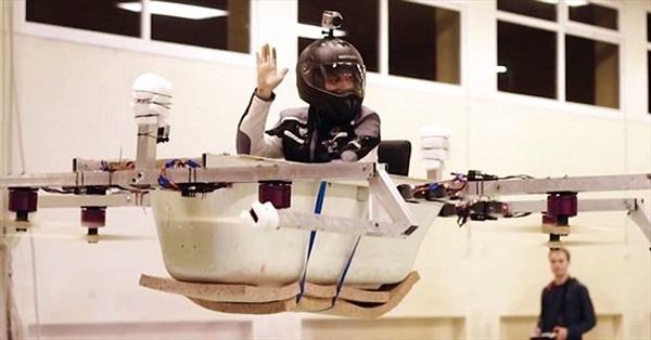 Kỳ lạ mẫu bồn tắm có thể bay cao tới 30 mét