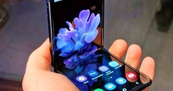 Clip: Cận cảnh Galaxy Z Flip bị tháo tung