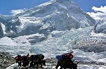 Khám phá đỉnh Everest bằng Street View