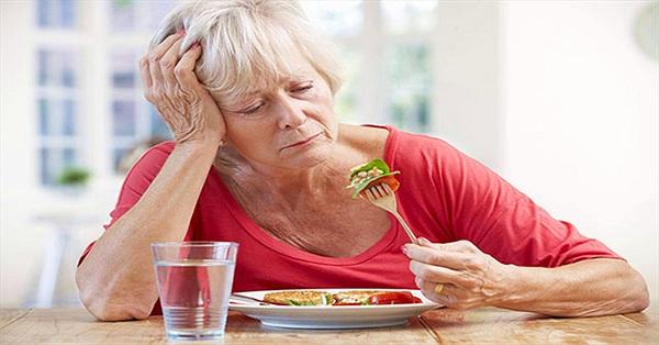 Tại sao tuổi càng cao, cảm giác về hương vị món ăn ngày càng kém?
