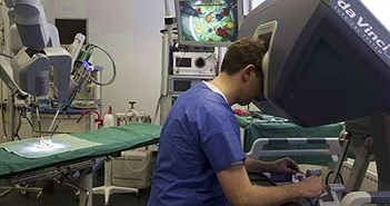 Lần đầu thực hiện thành công ca mổ tim cho trẻ em bằng robot