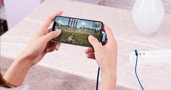 Những thói quen khi  sạc pin đang làm iPhone hỏng nhanh hơn