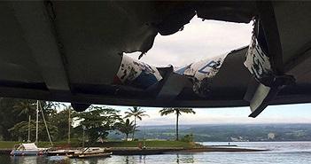 Nham thạch rơi trúng tàu du lịch ở Hawaii, hơn 20 người bị thương