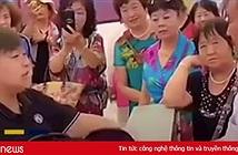 Người đàn ông Trung Quốc khăng khăng đòi mua xe ô tô giá chỉ 2 USD, vì đại lý quảng cáo nhầm giá xe 20.000 USD thành 2 USD
