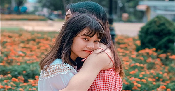 Vì sao con người nên ôm nhau?