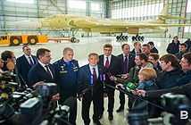 Lộ diện nguyên mẫu Tu-160M2 đầu tiên, Không quân Nga đã trở lại