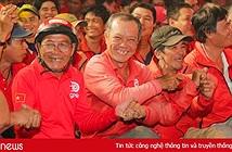 """Hàng nghìn chiến binh áo đỏ hào hứng cùng """"Chiến giáp mới – Vũ khí mới"""""""