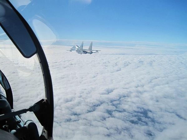 Oai hùng Su-30MK2 diễn tập bắn ném