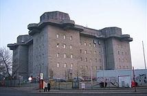 Tháp pháo phòng không khổng lồ của Đức