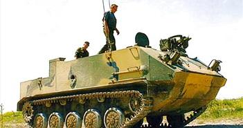 Xem xe thiết giáp BTR-MD lính dù Nga thao diễn