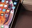 Mua iPhone mới, dán màn hình bằng film hay kính cường lực?