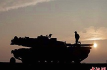 Cận cảnh dàn xe tăng khủng Mỹ chuyển tới Romania