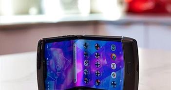 Màn hình Motorola Razr bong tróc chỉ sau 1 tuần