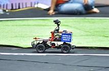 Video: Xe tự hành về đích ngoạn mục trong cuộc thi Cuộc đua số