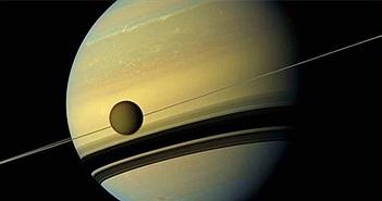 Vệ tinh rời sao Thổ ngày càng nhanh