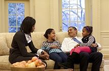 """Tổng thống Mỹ """"cấm cửa"""" smartphone trên bàn ăn"""