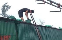 Người dân Bắc Trung Bộ chằng chống nhà, neo tàu đón bão