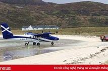 Khó tin nhưng có thật: Sân bay duy nhất trên thế giới có đường băng nằm trên mặt nước biển
