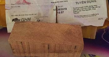 Mua iPhone XS Max 290.000 đồng nhận được cục gỗ