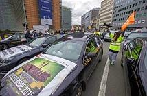 Đoàn xe 300 chiếc chặn đường phản đối Uber ở châu Âu
