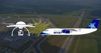 Lần đầu tiên drone va chạm máy bay thương mại