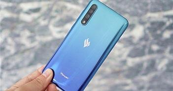 """Forbes: """"Việt Nam đã tự sản xuất được smartphone, tại sao họ chưa bán được?"""""""