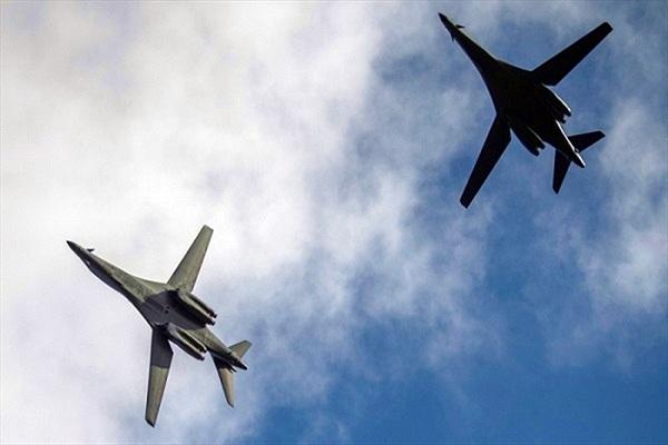 2 máy bay ném bom Mỹ bất ngờ vào vùng ADIZ của Trung Quốc
