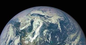 """Sửng sốt Trái đất bị """"quây"""" bởi cặp đám mây bụi lạ"""