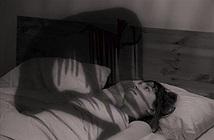 Giải mã bí ẩn bóng đè khi sắp tỉnh giấc