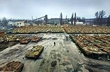 Nghĩa địa xe tăng khổng lồ ở Ukraine