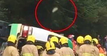 Ảnh nghi linh hồn bay lên sau tai nạn xe và sự thật tranh cãi...