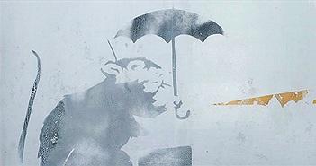 """Nhật Bản xôn xao về bức vẽ """"chuột cầm ô"""" bí ẩn ở nhà ga Tokyo"""