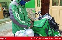 Tài xế giao thức ăn tại Việt Nam sẽ đứng cách khách hàng 2-3 mét
